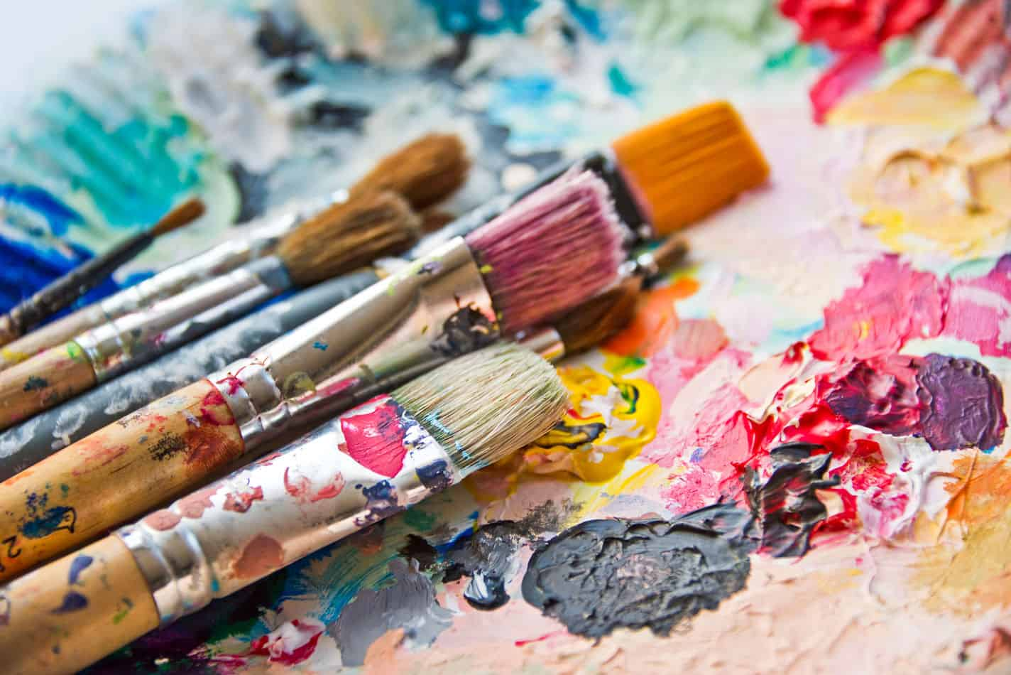 Best Flat Brushes for Acrylic Painting