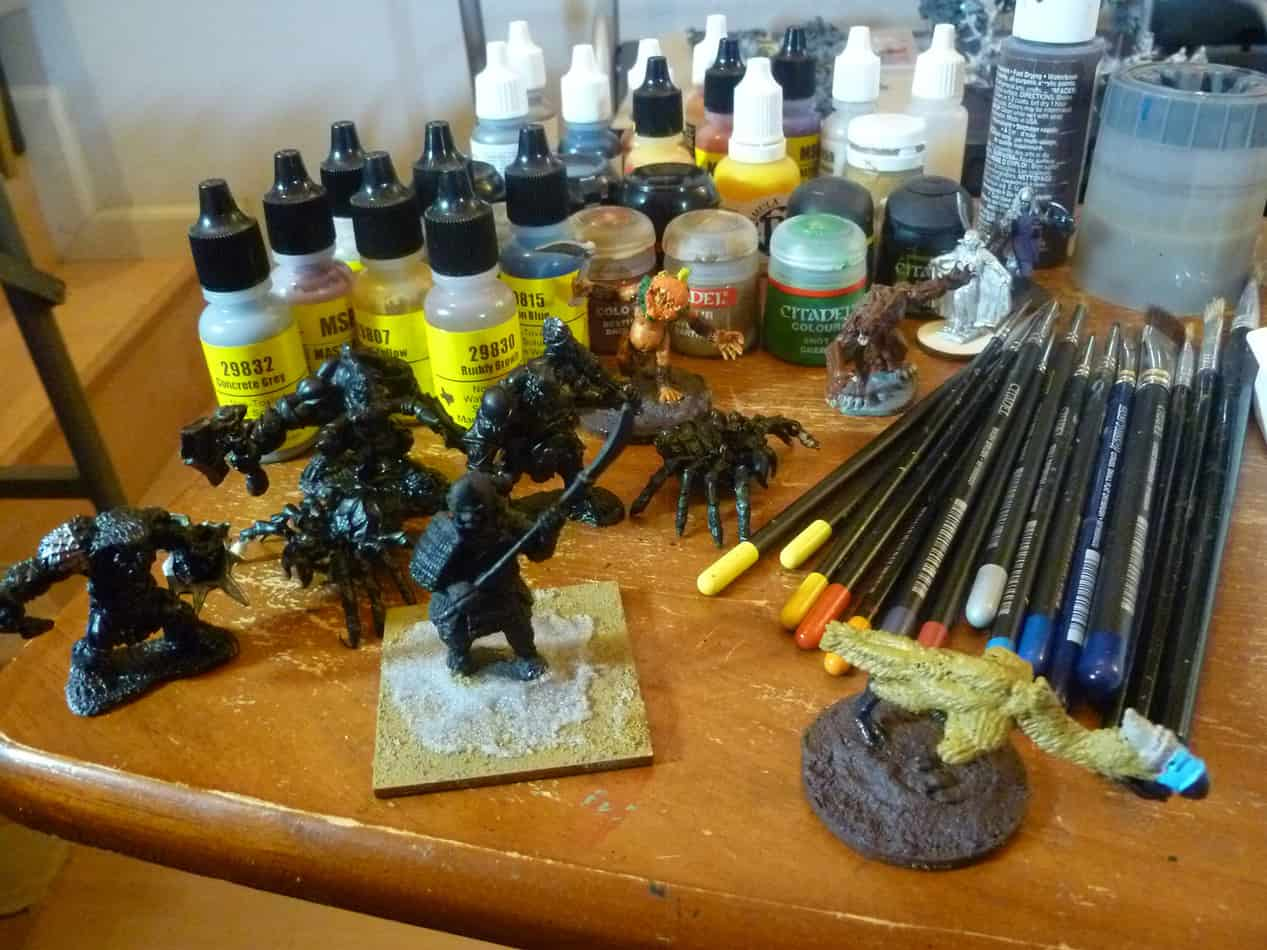 best acrylic paint for miniatures and models
