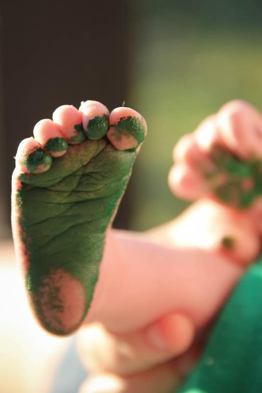 Is Acrylic Paint Safe for Baby Footprints and Hand Prints ...